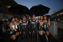 GT300 race winners #65 K2 R&D Leon Racing Mercedes SLS AMG GT3: Haruki Kurosawa, Naoya Gamou