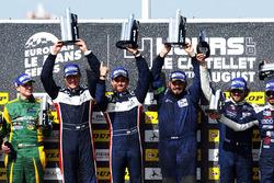 LMP3-Podium: 1. John Falb, Sean Rayhall, United Autosports; 2. Jakub Smiechowski, Martin Hippe, Inter Europol Competition; 3. Alexandre Cougnaud, Antoine Jung, Romano Ricci, M.Racing - YMR
