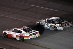 Cole Custer, Stewart-Haas Racing Ford y Casey Mears, Biagi-DenBeste Racing Ford