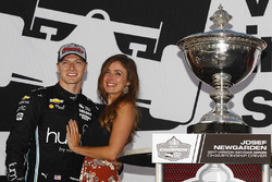 IndyCar-Champion 2017: Josef Newgarden, Team Penske Chevrolet, mit Freundin Ashley Welch