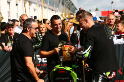 Pere Riba, race winner and 2017 champion Jonathan Rea, Kawasaki Racing