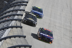 Denny Hamlin, Joe Gibbs Racing Toyota, BJ McLeod, Rick Ware Racing Chevrolet