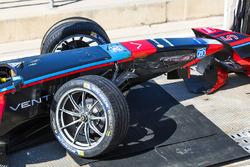 Разбитый автомобиль Джеймса Росситера, Venturi Formula E Team