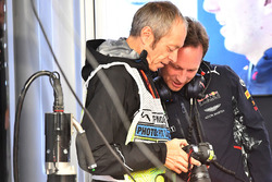 Mark Thompson, Getty Images Photographer and Christian Horner, Red Bull Racing Team Principal