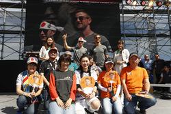 Stoffel Vandoorne, McLaren, Jenson Button, McLaren, with McLaren fans