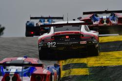 #912 Porsche Team North America Porsche 911 RSR: Джанмарія Бруні, Лоранс Вантор, Ерл Бембер