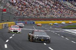 Кейси Кейн, Hendrick Motorsports Chevrolet и Кайл Ларсон, Chip Ganassi Racing Chevrolet