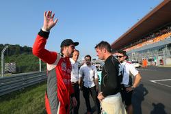 Пепе Ориола, Lukoil Craft-Bamboo Racing, и Жан-Карл Вернэ, Leopard Racing Team WRT