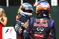 Daniel Ricciardo, Red Bull Racing, en Sebastian Vettel, Red Bull Racing in parc fermé