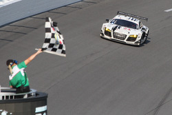 #24 Audi Sport Customer Racing/AJR Audi R8 Grand-Am: Filipe Albuquerque, Oliver Jarvis, Edoardo Mortara, Dion von Moltke takes the checkered flag