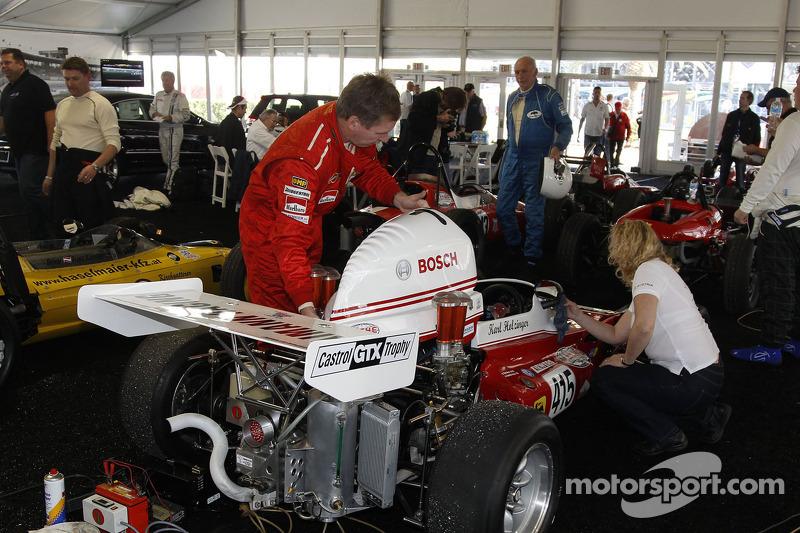 Teams maken klassieke Formula Vee's klaar