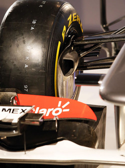 Sauber C32 front suspension detail