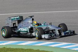 Lewis Hamilton, Mercedes AMG F1 W04 has his first run