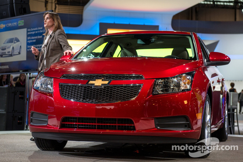Chevrolet Small Cars Marketing Director Cristi Landy introduceert de 2014 Cruze Clean Turbo Diesel