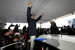 Vencedores Sébastien Ogier e Julien Ingrassia, Volkswagen Polo WRC, Volkswagen Motorsport celebrate