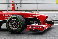 Ferrari F138 neus en voorvleugel