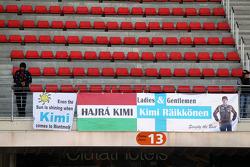 Banners voor Kimi Raikkonen, Lotus F1 Team
