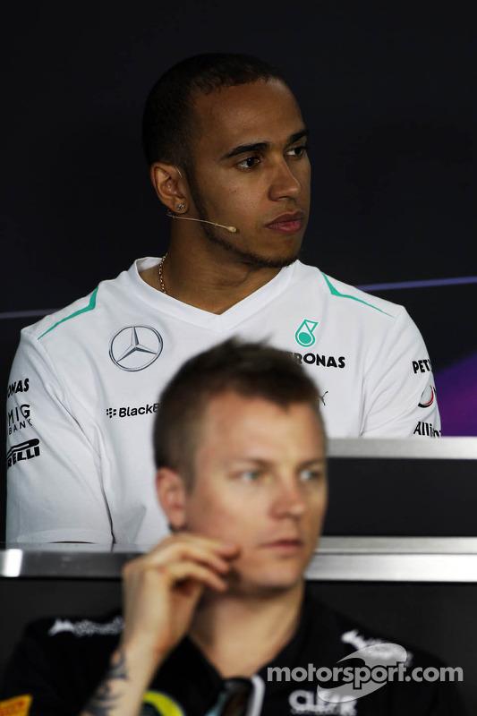 Lewis Hamilton, Mercedes AMG F1 e Kimi Raikkonen, Lotus F1 Team na coletiva de imprensa da FIA