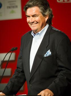 Unified Sports Car Series press conference: host Bob Varsha