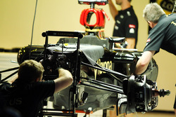 Lotus F1 E21 worked on in the pits
