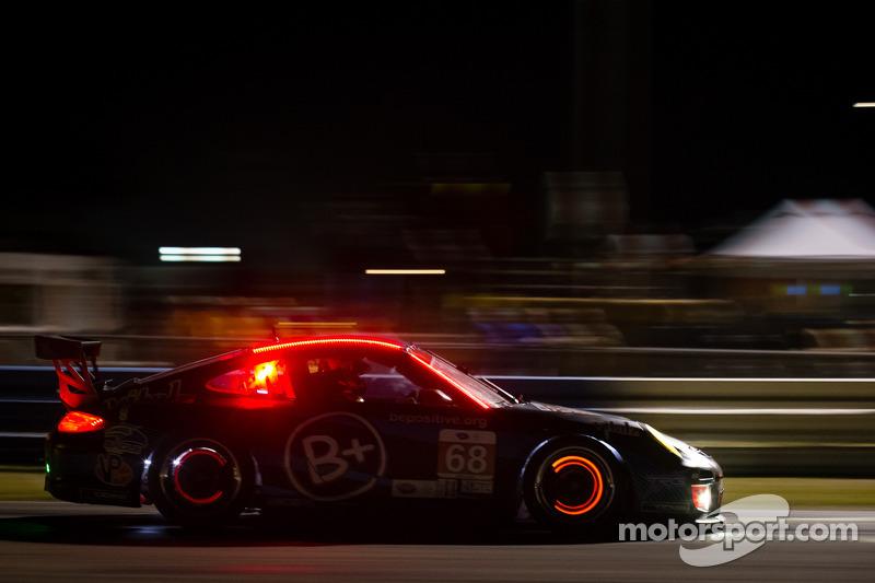#68 TRG Porsche 911 GT3 Cup: Kevin Estre, Al Carter, Carlos de Quesada