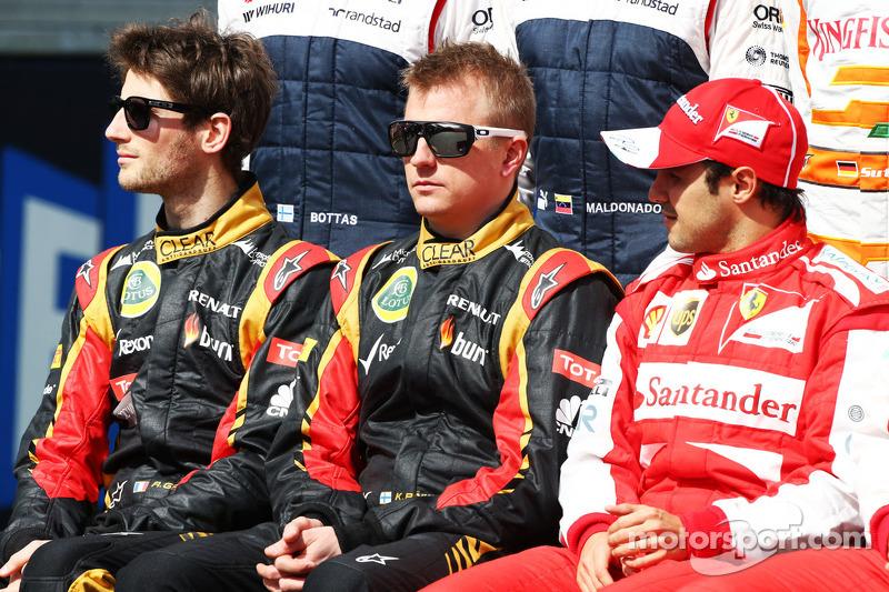 (L naar R): Romain Grosjean, Lotus F1 Team; Kimi Raikkonen, Lotus F1 Team en Felipe Massa, Ferrari op de eerste seizoensfoto