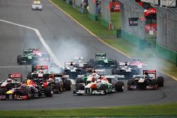 Paul di Resta, Sahara Force India VJM06 and Adrian Sutil, Sahara Force India VJM06 at the start of the race