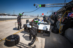 Pit stop #9 RSR Racing Oreca FLM09 Oreca: Bruno Junqueira, Alex Popow, Eddie Lawson