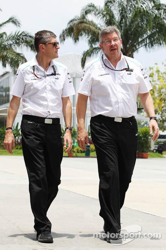 Nick Fry, Mercedes AMG F1 Chief Executive Officer com Ross Brawn, chefe da equipe Mercedes AMG F1
