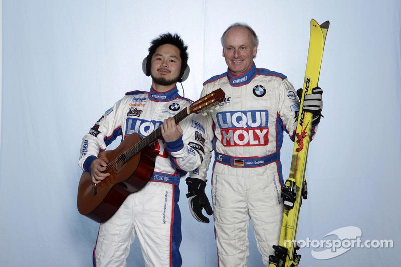 Франц Энгстлер и Чарльз Энг. Монца, фотосессия пилотов.