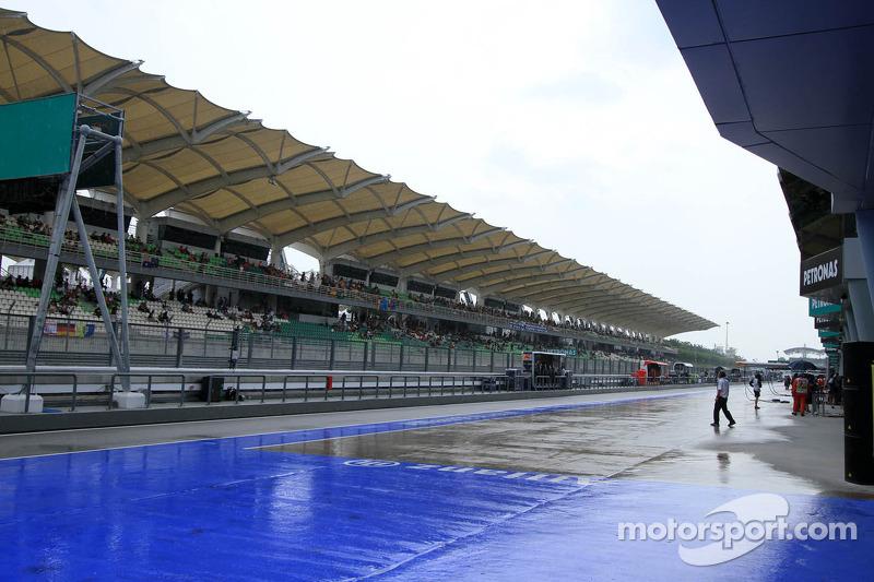 ГП Малайзии, Вторая пятничная тренировка.