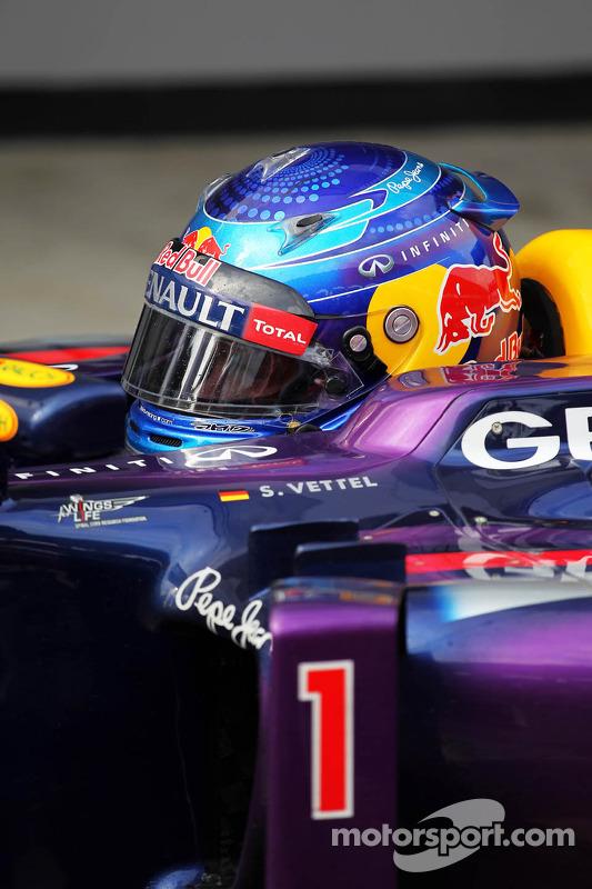 Sebastian Vettel, Red Bull Racing RB9 no parque fechado