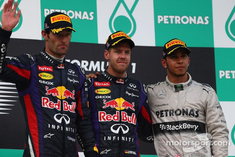 Podio: ganador de la carrera Sebastian Vettel, Red Bull Racing. Mark Webber, Red Bull Racing el segundo lugar y tercer lugar de Lewis Hamilton, Mercedes AMG F1