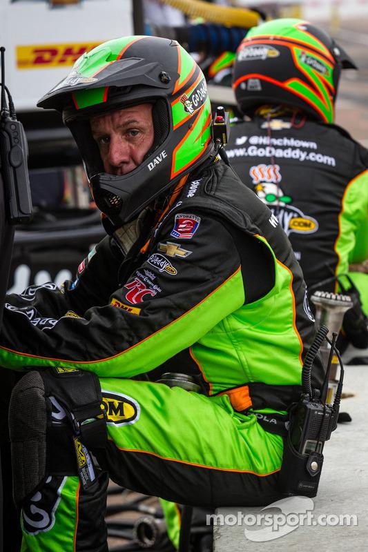 Membro do equipe de James Hinchcliffe, Andretti Autosport Chevrolet, algumas voltas antes do final d