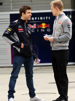 António Félix da Costa,  piloto de testes da Red Bull Racing, com Kevin Magnussen,  piloto de testes da McLaren