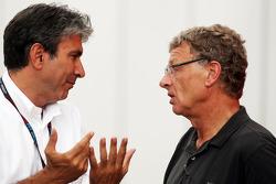 (Da esquerda para direita): Pasquale Lattuneddu, da FOM, com Hermann Tilke, designer de circuitos