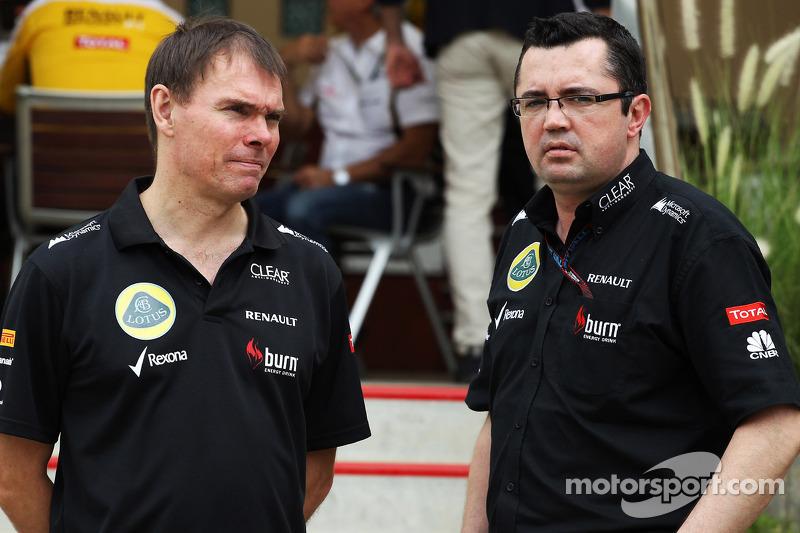 (L naar R): Alan Permane, Lotus F1 Team Trackside Operations Director met Eric Boullier, Teambaas Lo