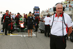 John Booth, Marussia F1 Team Director del equipo en la parrilla