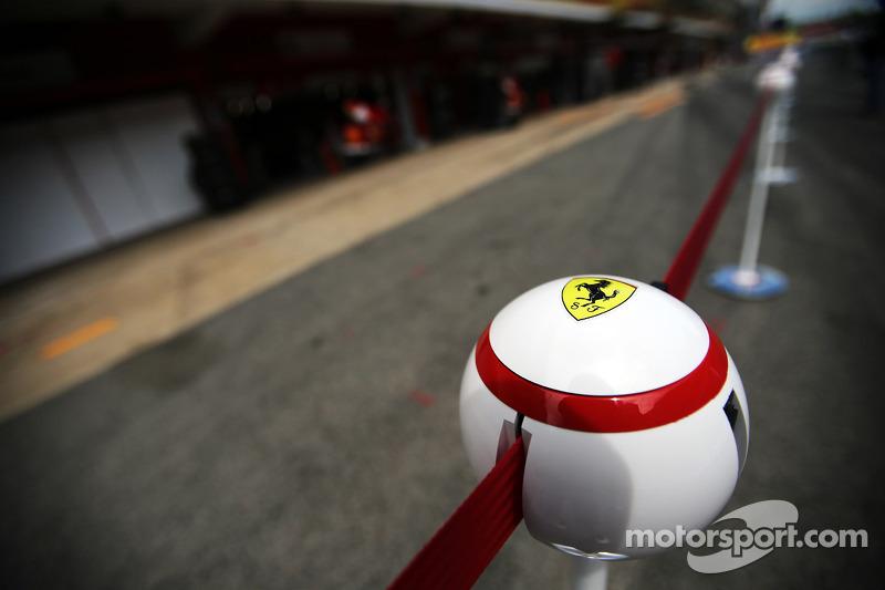 Ferrari tensa barrier