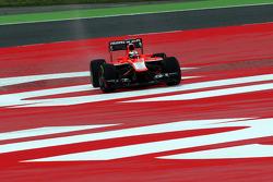 Jules Bianchi, Marussia F1 Team runs wide