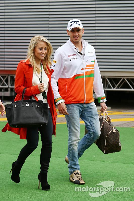 Adrian Sutil, Sahara Force India F1, com sua namorada Jennifer Becks