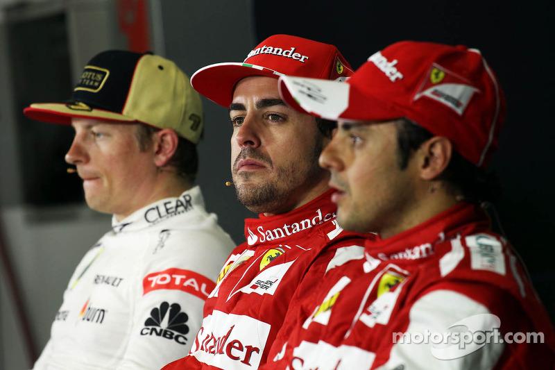 Прес-конференція FIA: другий призер Кімі Райкконен (Lotus), переможець Фернандо Алонсо (Ferrari), третій призер Феліпе Масса (Ferrari)