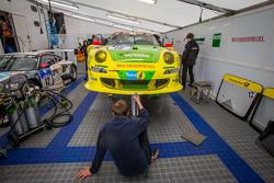 #18 Manthey-Racing Porsche 911 GT3 RSR (SP7)