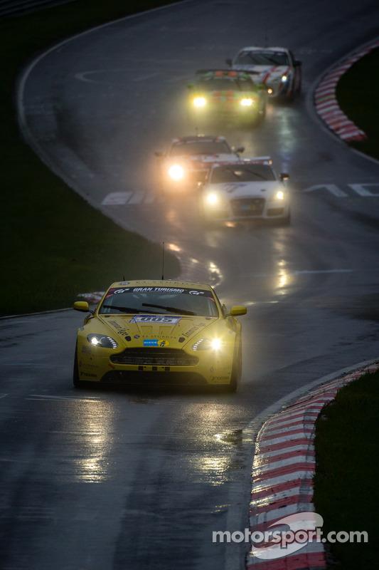 #5 Aston Martin Test Centre Aston Martin Vantage V12 (SP8): Oliver Mathai, Richard Meaden, Peter Cate, Andreas Gülden