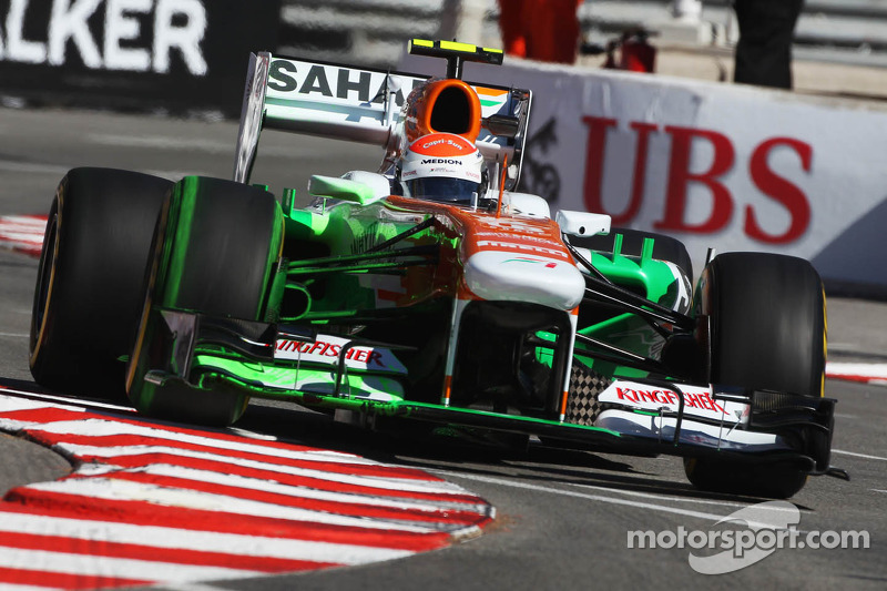 Adrian Sutil, Sahara Force India VJM06 rijdt met flow-vis paint