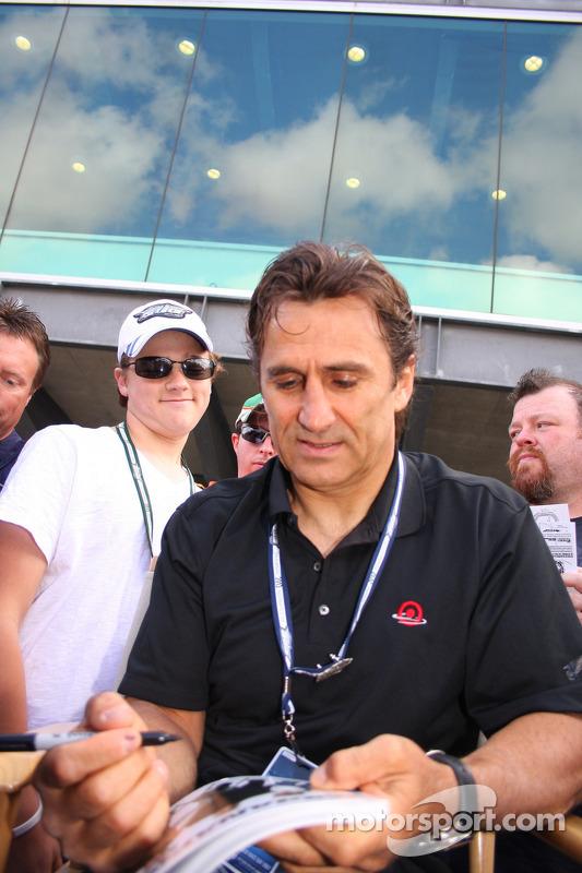 Alex Zanardi volta a Indianapolis