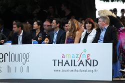 Pedro De La Rosa, Ferrari Development Driver with his wife Maria, Ross Brawn, Mercedes AMG F1 Team Principal with his wife Jean, at the Amber Lounge Fashion Show