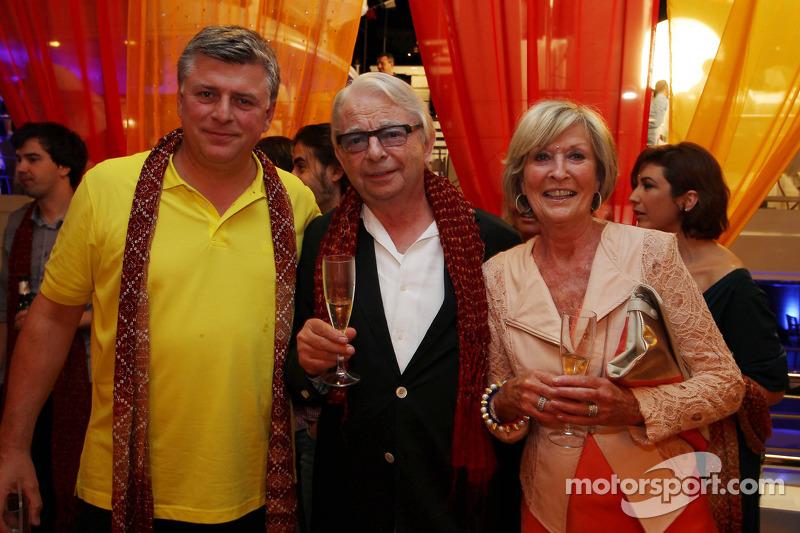 (L naar R): Otmar Szafnauer, Sahara Force India F1 Chief Operating Officer met Jan Mol, bij de Signature F1 Monaco Party