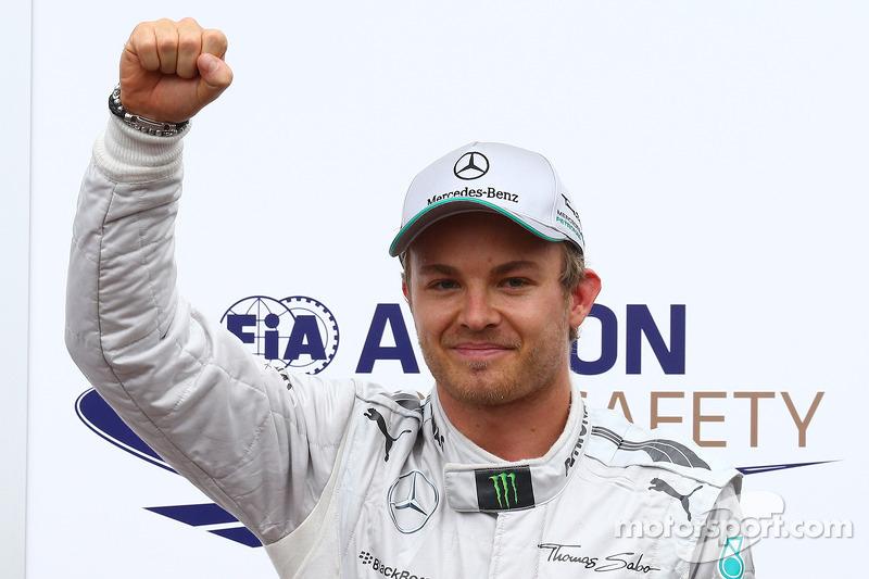 Ganador de la pole position Nico Rosberg, Mercedes AMG F1 W04 25