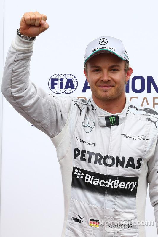 Pole for Nico Rosberg, Mercedes AMG F1 W04 segundo Lewis Hamilton, Mercedes AMG F1 e terceiro Sebastian Vettel, Red Bull Racing  25